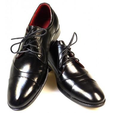 Czarne obuwie dziecięce z zakładkami
