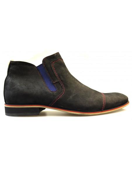 Wysokie czarne buty z czerwonymi przeszyciami T48