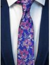 Niebieski krawat męski w różowe kwiaty DC1
