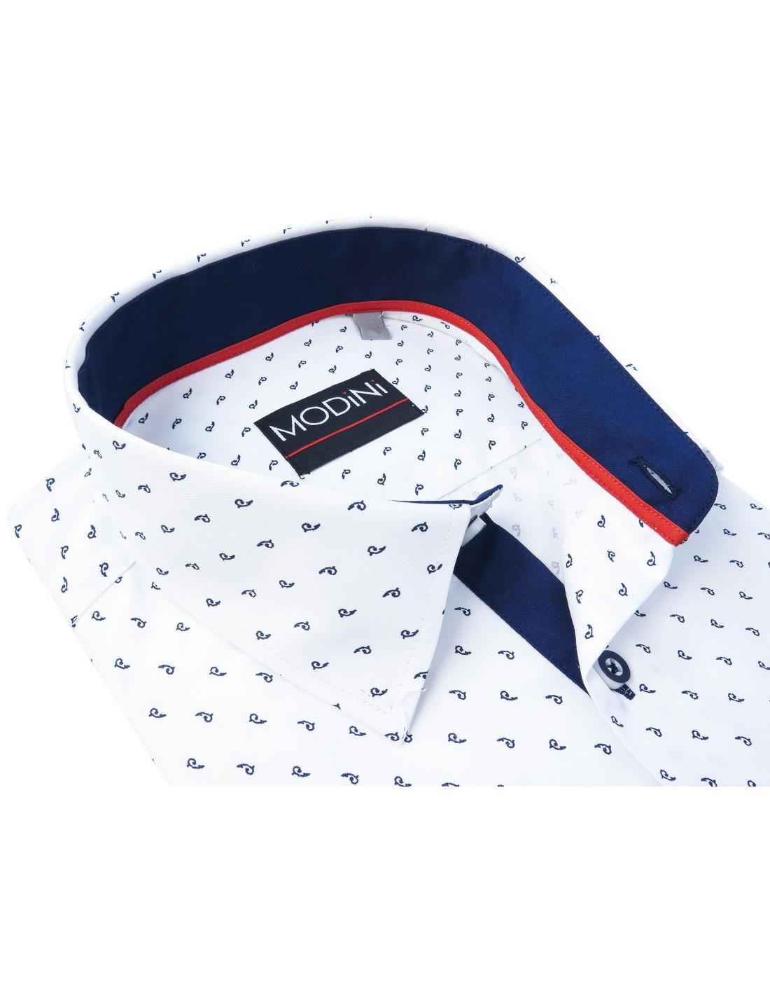 e5f77bd0527b7 Biała koszula męska z krótkim rękawem z granatowym wzorem MK8 ...