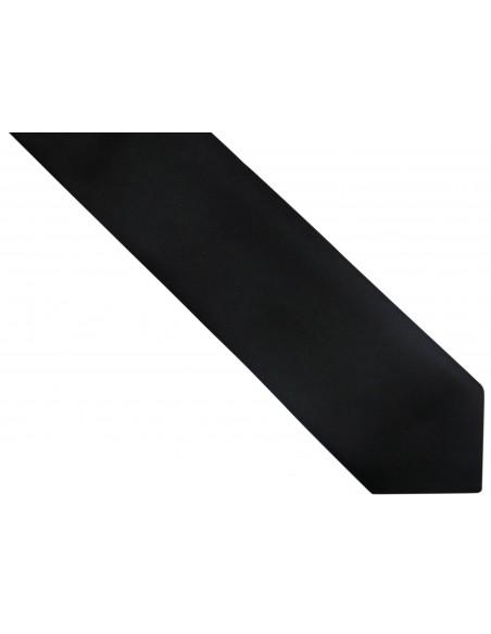 Czarny krawat z białą poszetką
