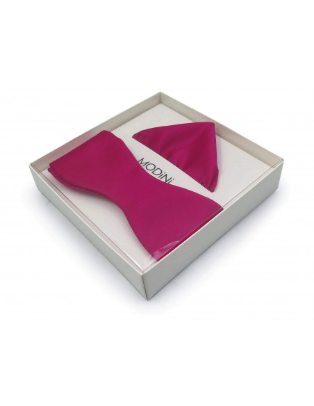 Ciemno różowa muszka wiązana - amarant M2