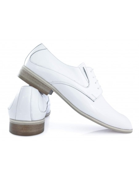 Unikalne białe lakierki męskie - buty wizytowe T7