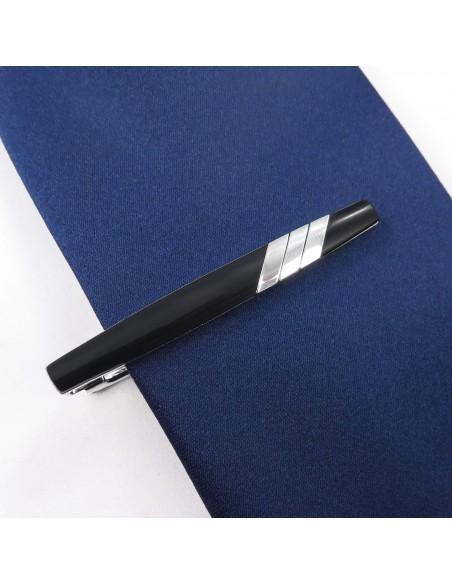Czarna spinka do krawata z ukośnym srebrnym wzorem ZS14