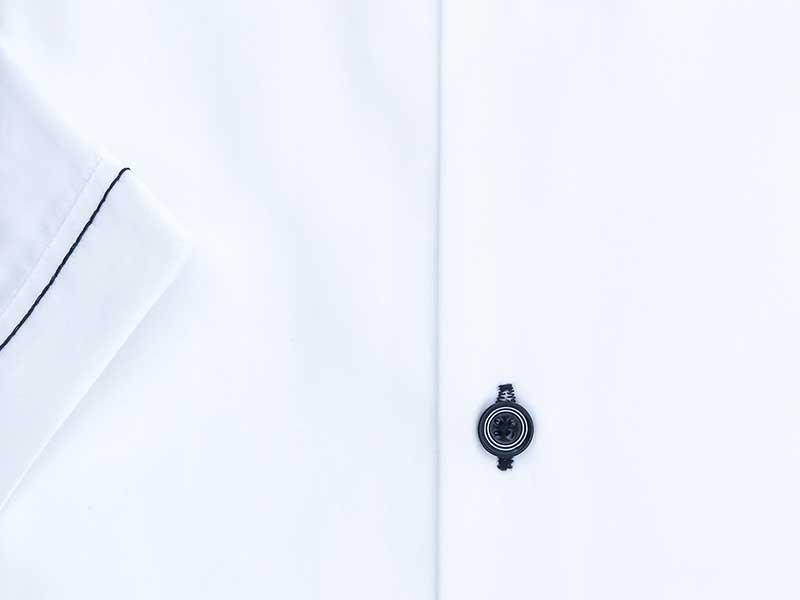 Biała koszula męska z granatowymi kontrastami w kropki - krótki rękaw YK02