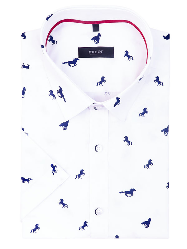 Biała koszula z krótkim rękawem w konie 118K