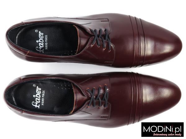 Bordowe obuwie