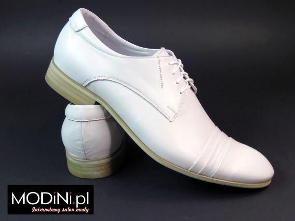 Białe eleganckie buty