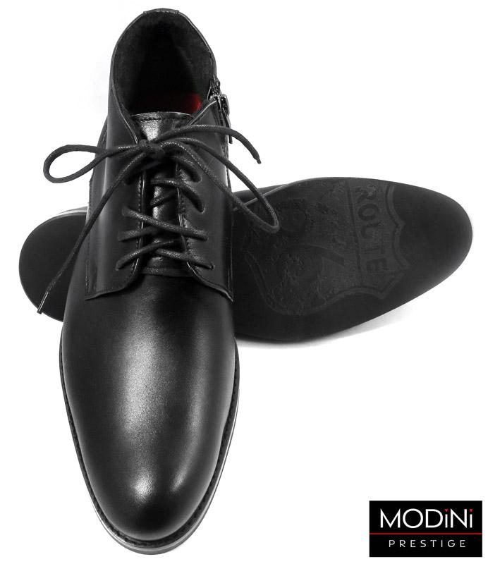 czarne obuwie zimowe z czerwonymi kontrastami