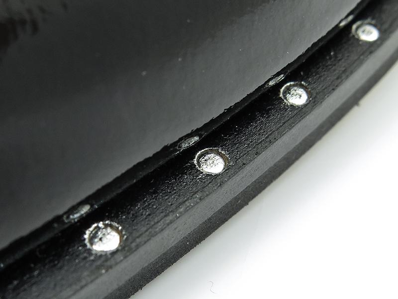 Czarne lakierki męskie z metalowymi ozdobami Faber T105
