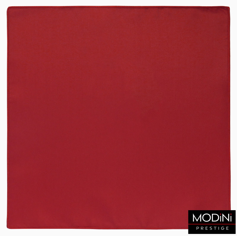 czerwona poszetka z obszyciem