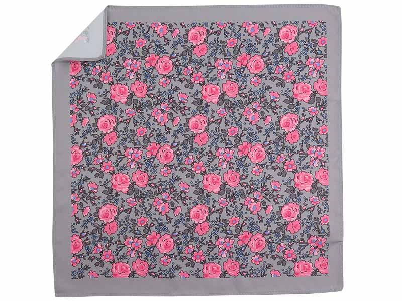 Szara poszetka w różowe kwiaty E274