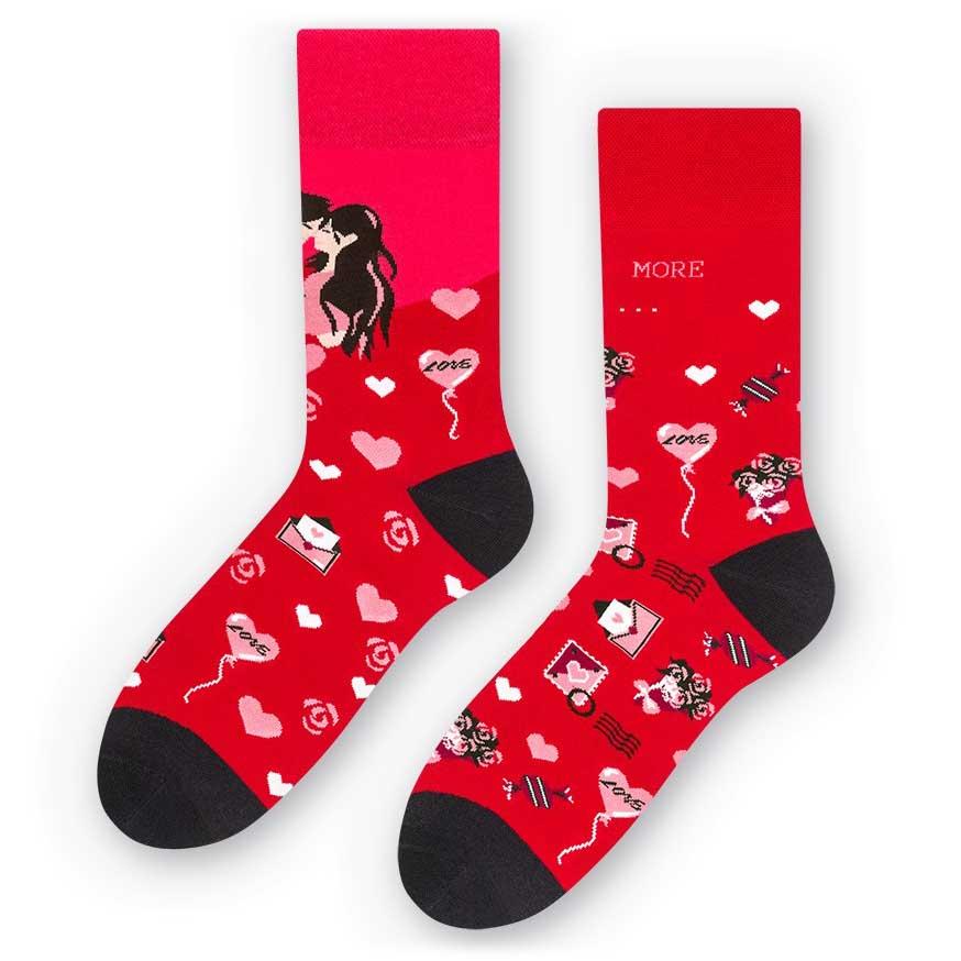 Walentynkowe skarpetki LOVE - czerwone SK233