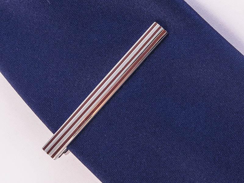 Srebrne spinki do krawata z brązowymi paskami ZS27