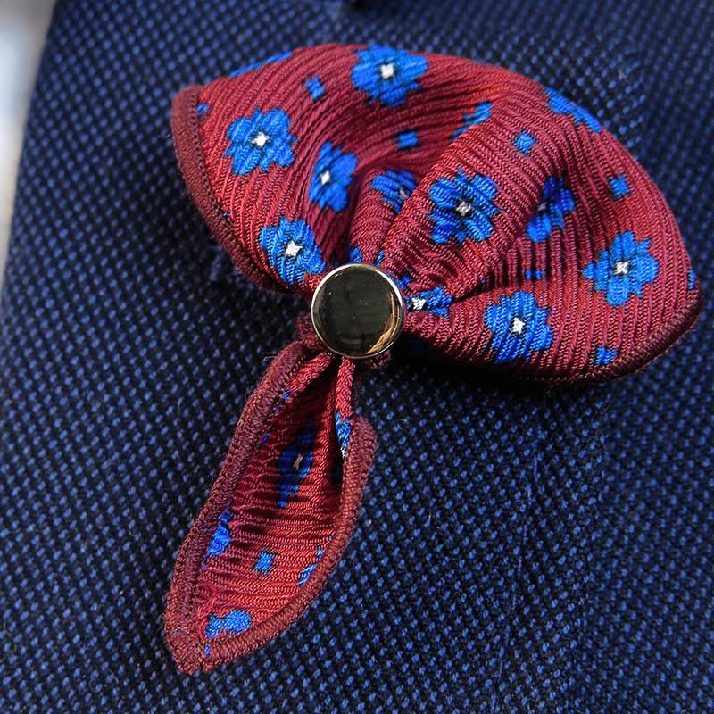 Bordowa wpinka do butonierki w kwiatki W52
