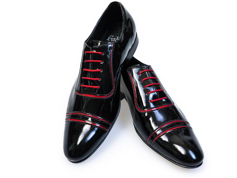 Czarne obuwie męskie z czerwonymi kontrastami T101