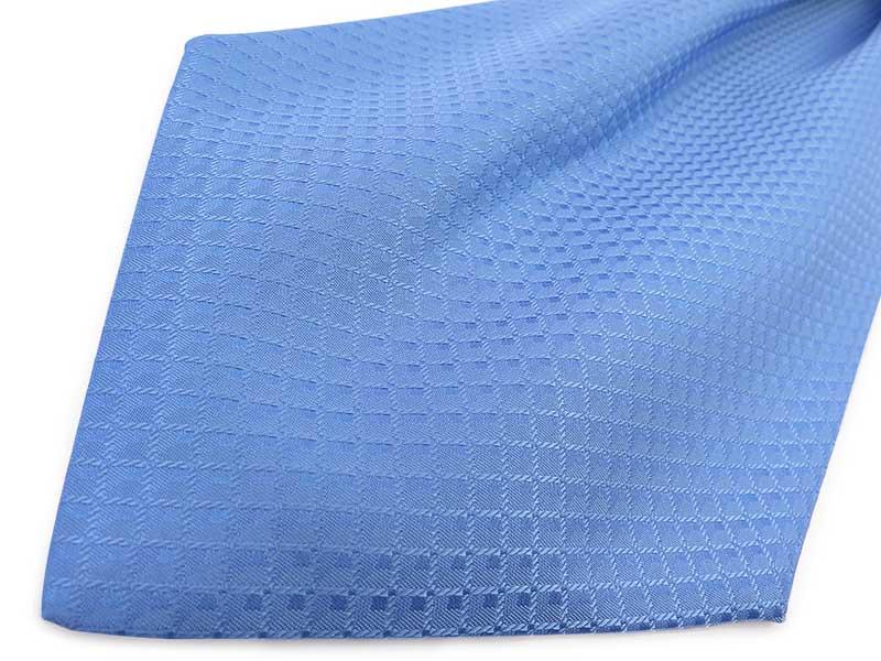 Błękitny fular w geometryczny wzór- kwadraty F101