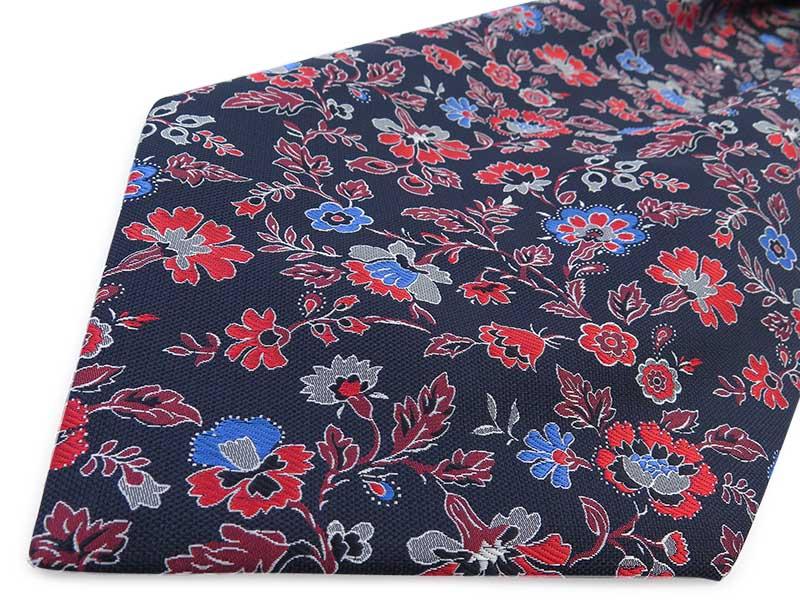 Granatowy fular we florystyczny wzór- kwiaty F104