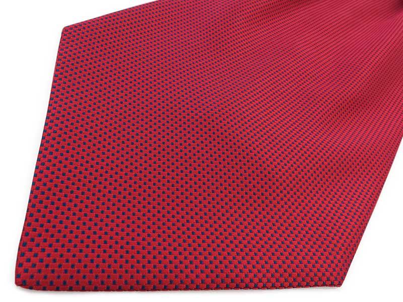 Czerwony fular w granatowy wzór - kwadraciki F107