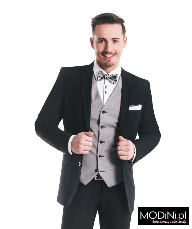 Czarny garnitur klasyczny