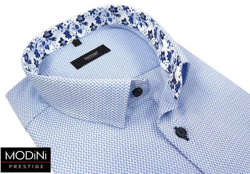 błękitna koszula w drobny wzór