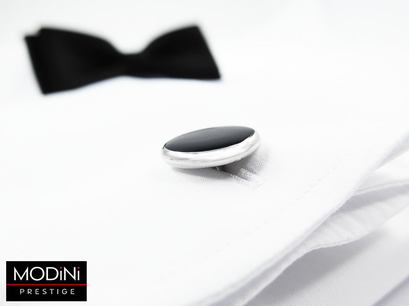 Biała koszula pod muchę