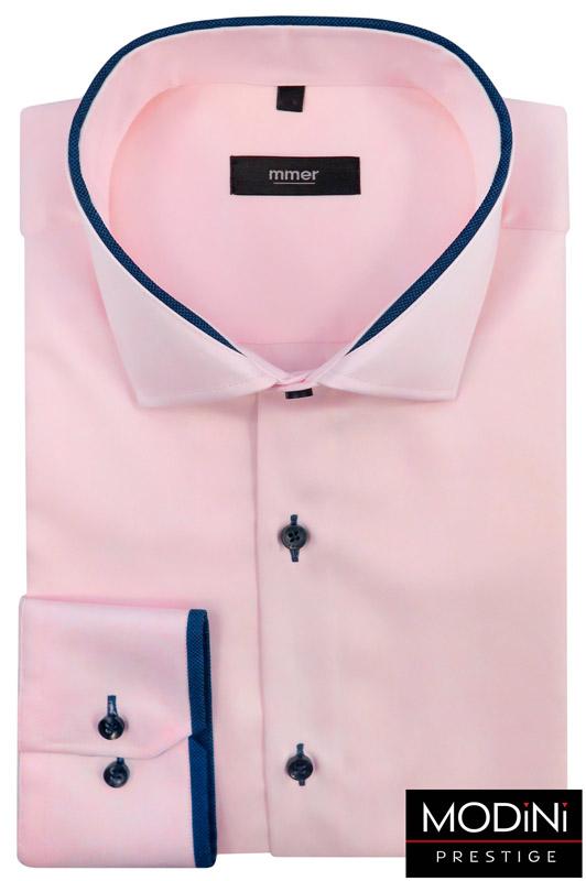 jasnoróżowa koszula z granatowymi kontrastami