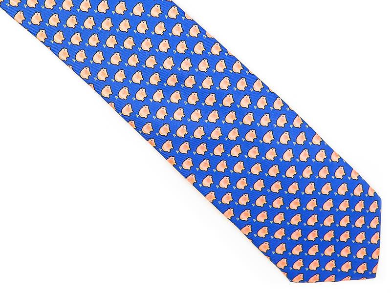Niebieski krawat w świnki D207