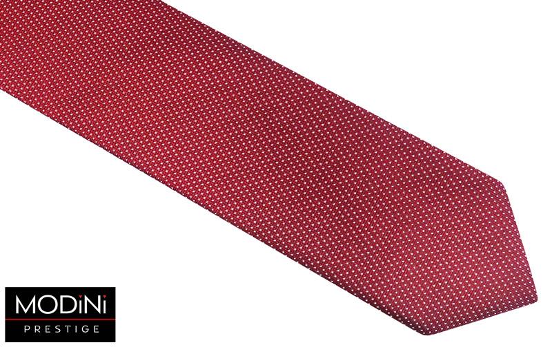 czerwony krawat z drobnym białym wzorem