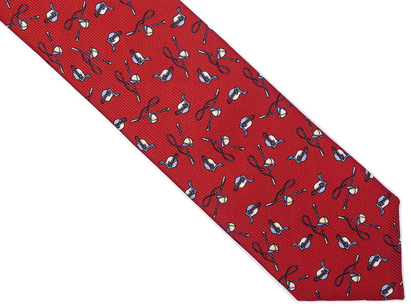 Jedwabny czerwony krawat dla dżokeja
