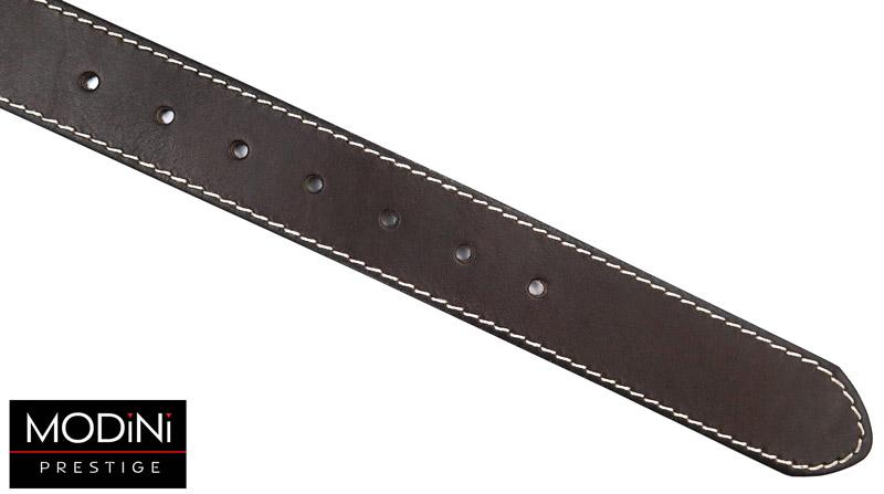 brązowy skórzany pasek z białym przeszyciem