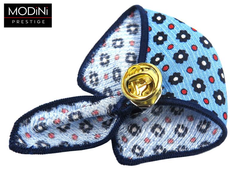 błękitny pin w granatowe kwiatki i czerwone kółka