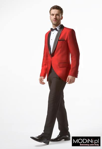 Czerwony garnitur smokingowy
