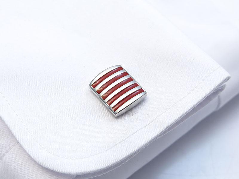 Prostokątne srebrno-czerwone spinki do mankietów - U184